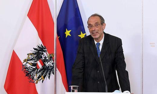 Wissenschaftsminister Heinz Faßmann informiert