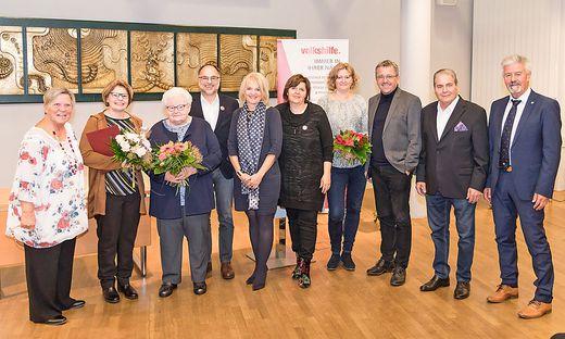 """Edith Kohlhofer (2. v. l.) wurde mit der """"Luise"""" ausgezeichnet"""