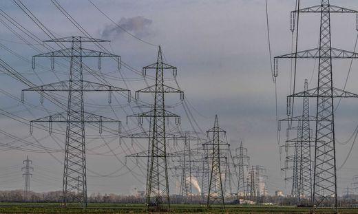 Die E-Control hat die Aufgabe, die Umsetzung der Liberalisierung des österreichischen Strom- und Gasmarktes zu überwachen, zu begleiten und gegebenenfalls regulierend einzugreifen.