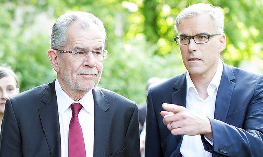 Präsidentenmacher Lockl - auf dem Foto mit Van der Bellen