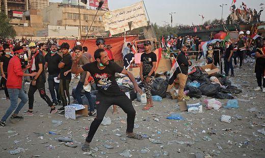 """""""Alle weg, das heißt: Alle weg"""", skandieren die Demonstranten in Baghdad"""