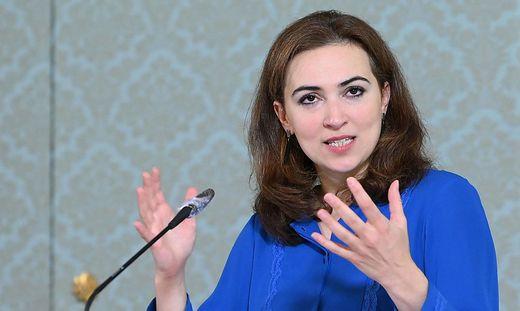 Die Grüne Justizministerin Alma Zadic  setzt auf Überzeugungsarbeit bei öffentlichen Aufträgen