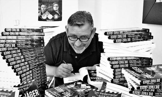 2016 ging Mimikama-Chef Tom Wannenmacher auch unter die Autoren