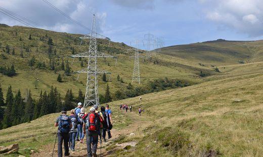 Auf der Glitzalm im steirischen Koralpengebiet soll neben der 380-kV-Leitung ein riesiger Pumpspeicher entstehen