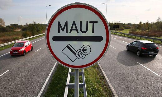 Die bisherigen Mautbetreiber in Deutschland fordern entgangene Einnahmen ein