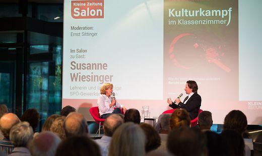 Ein Abend voller Brisanz, Autorin Susanne Wiesinger und Moderator Ernst Sittinger.