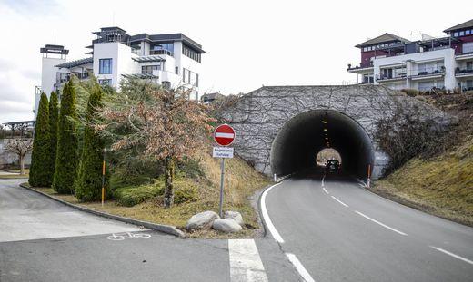 Um den Radweg im Bereich Sekirn führen zu können, werden zwei Stützmauern errichtet