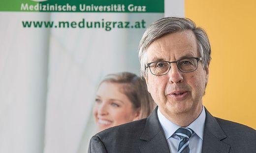 Medizin-Rektor Hellmut Samonigg