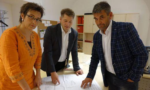 Elisabeth Edlinger-Pammer (Grüne), Bürgermeister Josef Maier (ÖVP) und Klaus Straner (SPÖ) sind verwundert über harte Kritik von Listengründerin Nina Feichter
