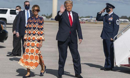 Donald Trump und Melania auf dem Flughafen von Palm Beach