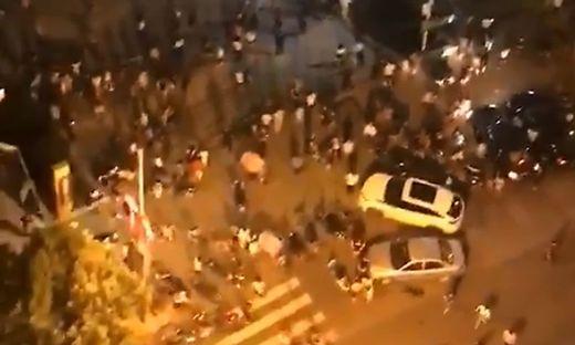 Ein Video zeigt, wie die Menschenmassen flüchten