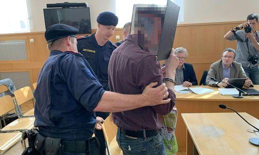 Studentinnenmörder in Krems wegen Missbrauchs vor Gericht