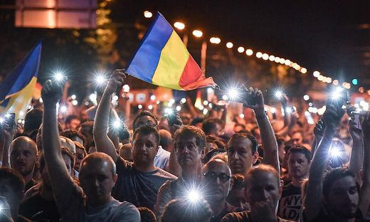 ROMANIA-POLITICS-CORRUPTION-DEMO