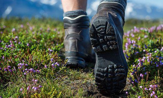 Das richtige Schuhwerk ist in den Bergen das Um und Auf - auch Steigeisen sollten derzeit nicht fehlen