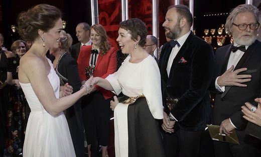 Kate, Duchess of Cambridge trifft Olivia Colman und Yorgas Lanthimos (zweiter von rechts)