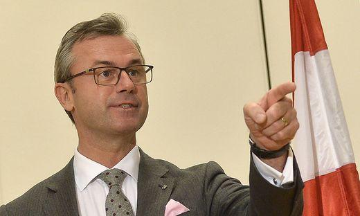 Norbert Hofer tauscht die Aufsichtsratsmitglieder aus und besetzt sie mit FPÖ-Getreuen