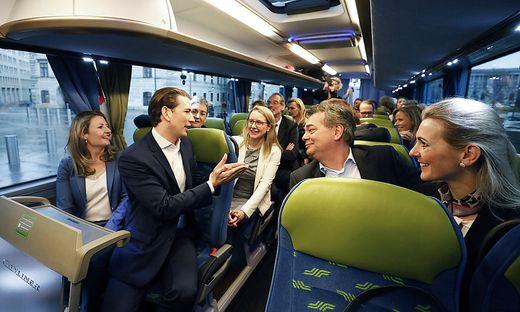 Regierung im Autobus