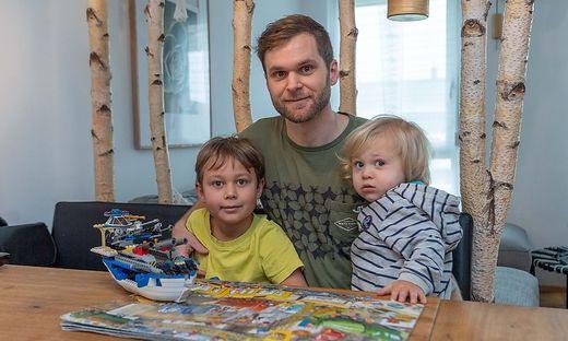 Lion und Marlon mit ihrem Papa Laurin Wenzl