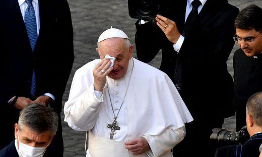 Nach Darmoperation: Papst Franziskus muss fünf Tage im