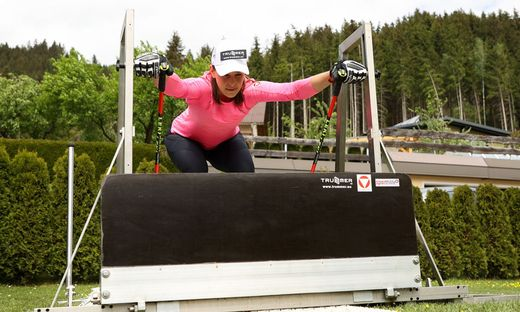 FREESTYLE SKIING - Photoshooting Katrin Ofner