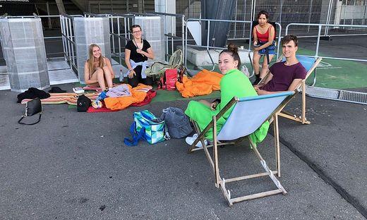 Seit Donnerstag campieren die ersten Ed Sheeran-Fans vor dem Wörtherseestadion in Klagenfurt