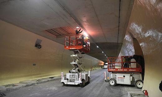 Die letzten Arbeiten laufen gerade an, nur die bauliche Sanierung kostet fast drei Millonen Euro.