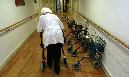 Ethikkommission ortet inakzeptable Besuchspolitik in Alten- und Pflegeheimen