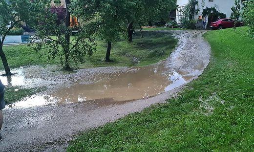 Riesige Regenmengen verursachten Überflutungen
