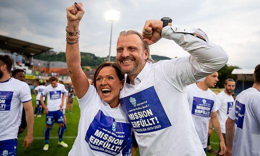 Hartberg-Präsidentin Brigitte Annerl und Markus Schopp