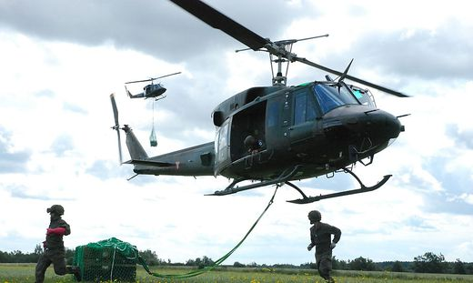Übung mit Hubschrauber AB212