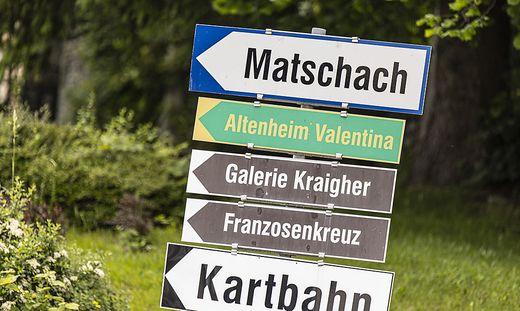 Ortshinweistafeln Suetschach und Matschach (Gemeinde Feistritz im Rosental) Juni 2021