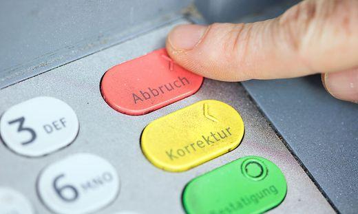 VfGH entscheidet: Bankomatgebühren nicht verboten