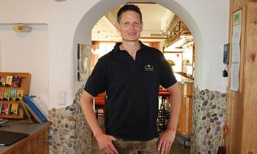 Markus Rainer, Wirt im Gasthaus Sonnhof in St. Veit, hofft, dass durch die Maßnahmen die Gastronomie wieder dauerhaft offen bleiben kann, Umfrage Kärnten Osttirol, Corona, Maßnahmen, Regeln