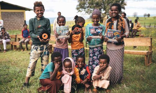 Mit dem Erlös aus dem Plattenverkauf soll eine neue Schule in Äthiopien finanziert werden