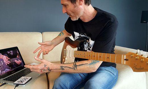 Musiklehrer Bruno Unterberger beim E-Learning.