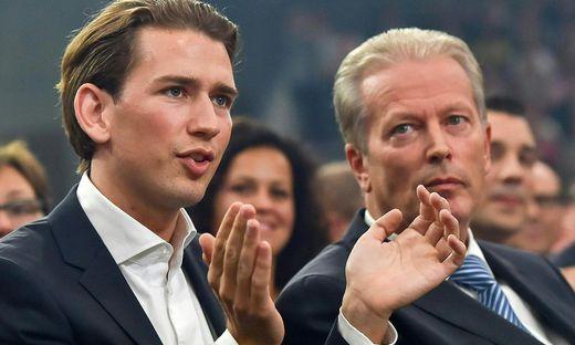 Sebastian Kurz und Reinhold Mitterlehner anlässlich des Wahlkampauftaktes der ÖVP 2015