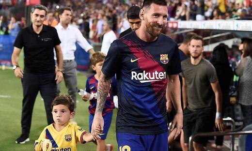 Lionel Messi mit seinem kleinen Sohn Mateo