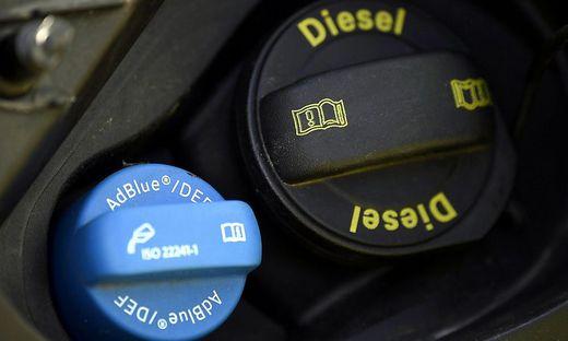 software-update: abgasskandal: mercedes und opel rufen autos zurück