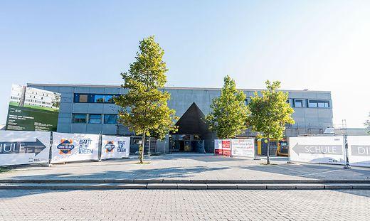 Rund 21 Millionen Euro (netto) kostet der Umbau in der HTL Villach, der größten Schule Kärntens. Die letzte Bauphase soll bis Frühjahr 2022 abgeschlossen sein