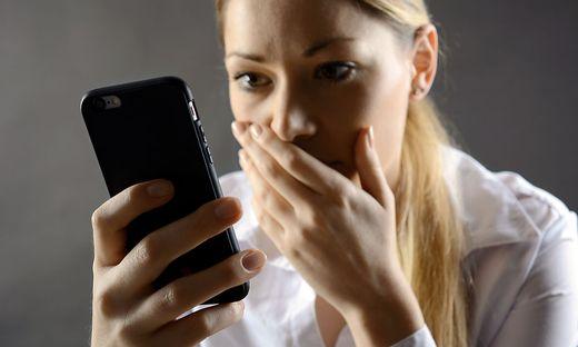 Mobilfunker schildern diverse Nebenkosten nicht gut aus