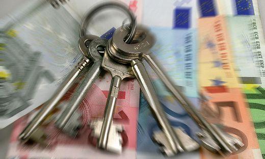Safeschluessel mit Geld