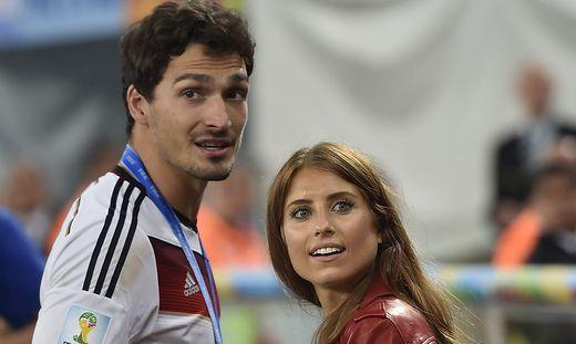 Das Schönste Geschenk Ein Sohn Für Bayern Star Mats Hummels Und