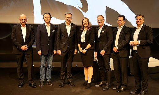 Der neue Vorstand: Michael Münzer, Wolfgang Nusshold, Christian Jauk, Susanne Gorny, Peter Schaller, Michael Vollmann und Gerhard Steindl (von links)