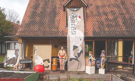 Gregor Eska studierte an der Universität der Künste Berlin