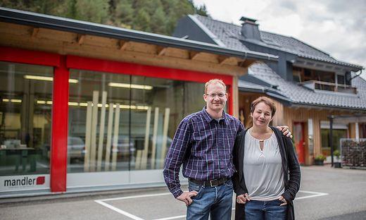 Markus und Daniela Mandler (hier auf einem Archivfoto vor dem Umbau der Firma) geben nicht auf