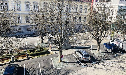 In der Wolfsberger Innenstadt sind fast keine Autos zu sehen, wie hier am Weiher