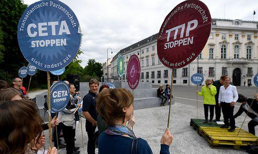 KUNDGEBUNG GEGEN TTIP UND CETA