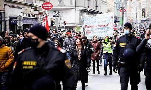 In Graz wird seit vielen Wochen regelmäßig gegen Coronamaßnahmen protestiert
