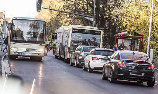 Villacher Strasze Busbuchten Pendlerverkehr Klagenfurt Oktober 2017