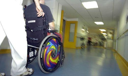 Dem OGH zufolge war eine Kündigung wegen verweigerter Tests in einem Pflegeheim rechtens.
